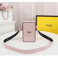 確保済み FENDI フェンディ 斜めがけブランドコピーバッグ激安安全後払い販売専門店